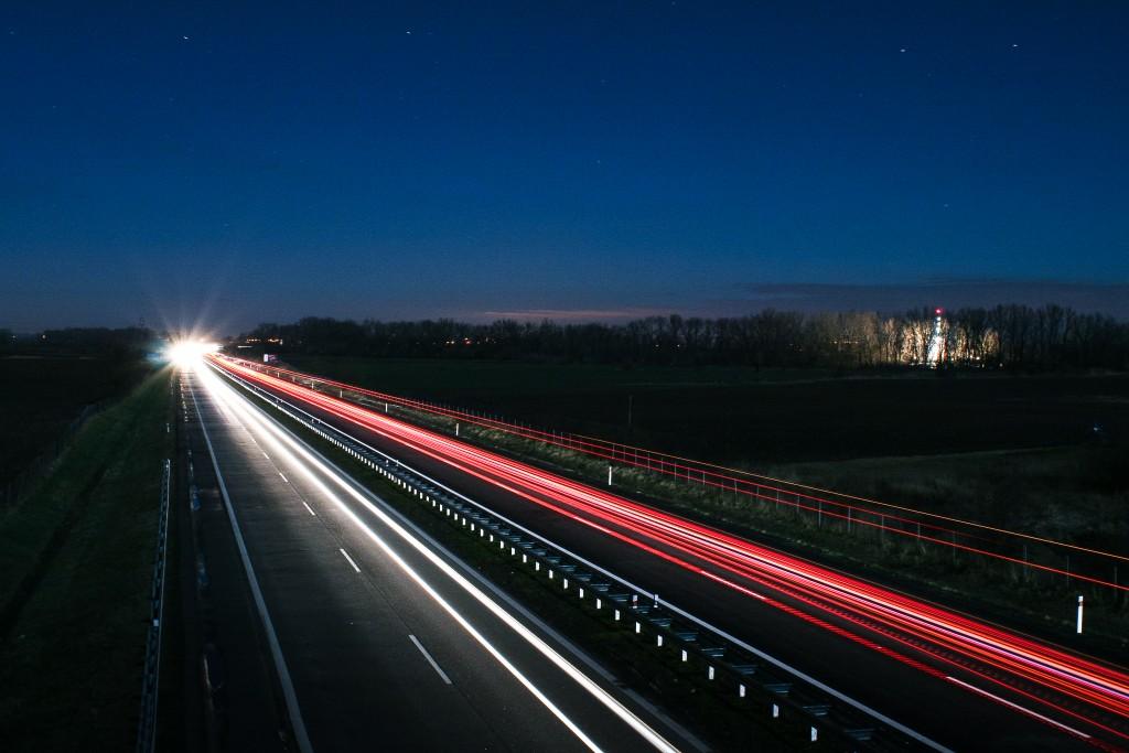 新東名高速道路は確かに走りやすい・・だけど。